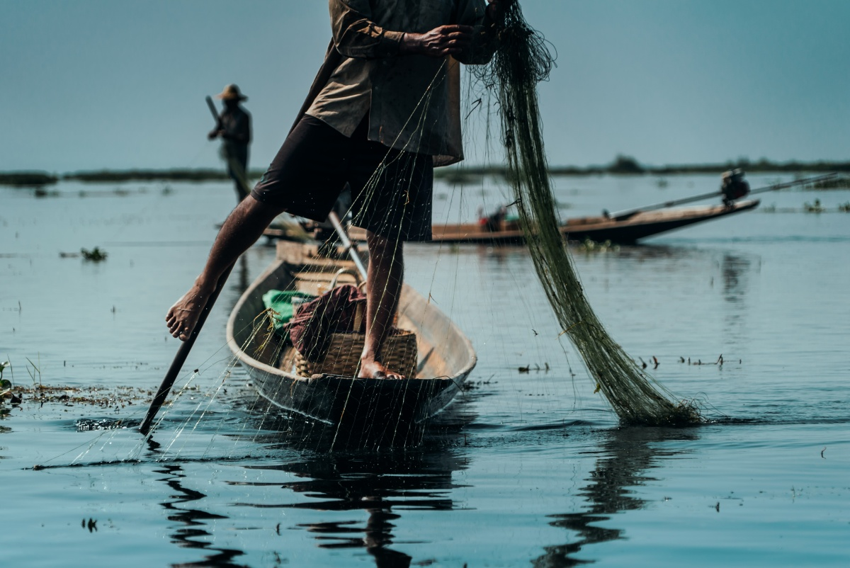 Leg rowing fisherman in Inle Lake, Myanmar