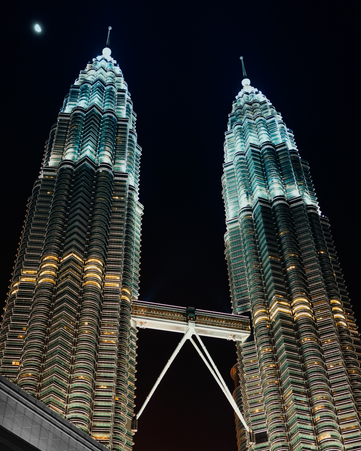 Night view photo of Petronas Twin towers in Kuala Lumpur