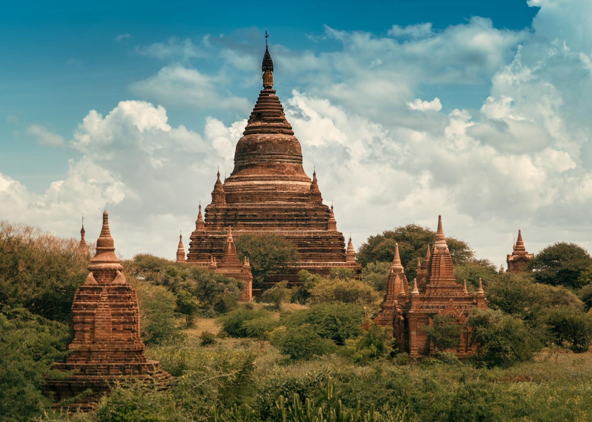 Photo of scenic buddhist temples in Bagan, Myanmar