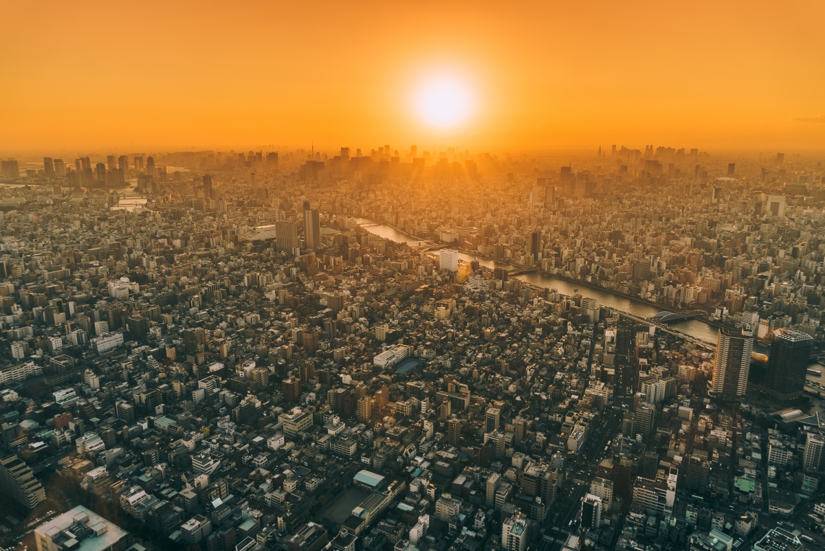 Photo of Tokyo skyline during amazing sunset