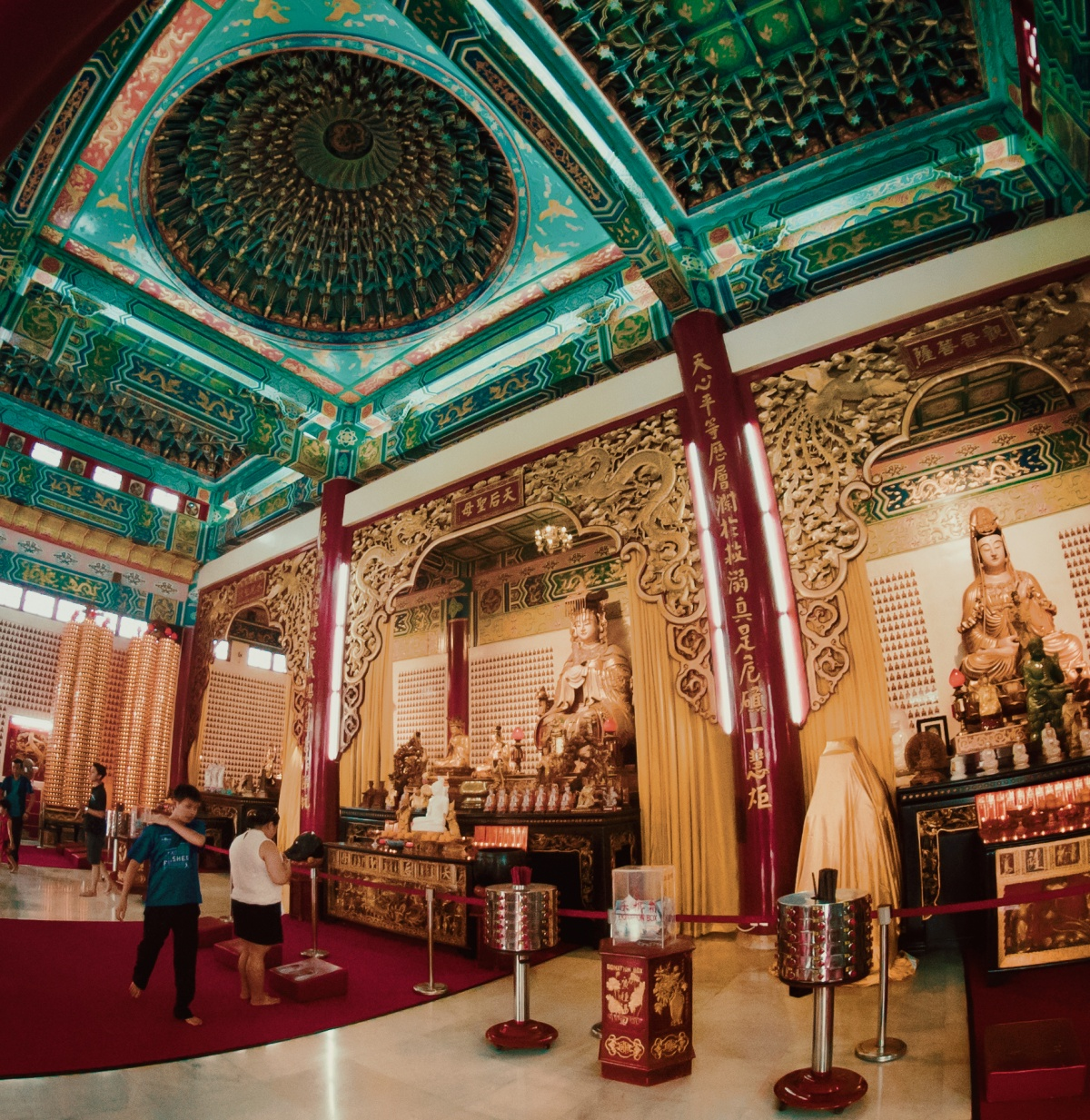 Interior picture of Buddhist Thean Hou temple in Kuala Lumpur